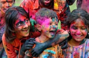 Top 14  cele mai ciudate si inedite festivaluri din lume