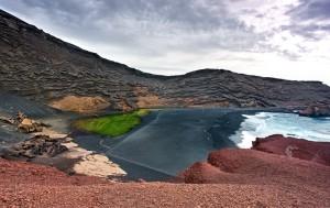 el_golfo_lanzarote_volcanic_bay_spain_680
