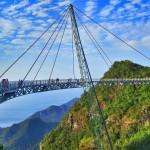 Top 8 cele mai insolite poduri din lume