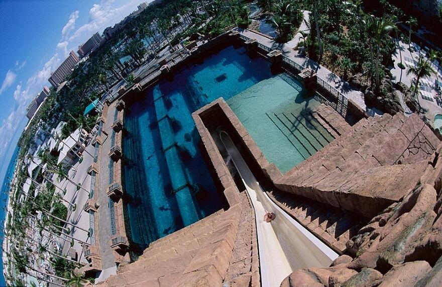 leap-of-faith-atlantis-toboggan-bahamas-1