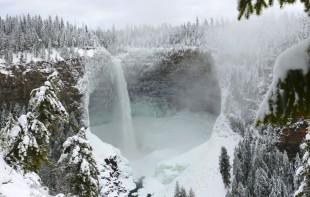 Top 10 cele mai frumoase cascade inghetate din lume